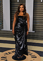 BEVERLY HILLS, CA - MARCH 4: Mindy Kaling arrives at the 2018 Vanity Fair Oscar Party at the Wallis Annenberg Center for the Performing Arts on March 4, 2018 in Beverly Hills, California.(Photo by Scott Kirkland/PictureGroup)
