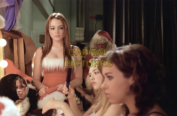 LINDSAY LOHAN, AMANDA SEYFRIED & LACEY CHABERT.in Mean Girls.Filmstill - Editorial Use Only.CAP/AWFF.supplied by Capital Pictures