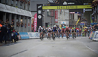 Marcel Kittel (DEU/Etixx-Quickstep) beats Mark Cavendish (GBR/DimensionData) with half a wheel to take his (record) 4th ever win in the Scheldeprijs. André Greipel (DEU/Lotto-Soudal) finishes 3rd, which makes this finish the ultimate sprinters podium.<br /> <br /> 104th Scheldeprijs 2016