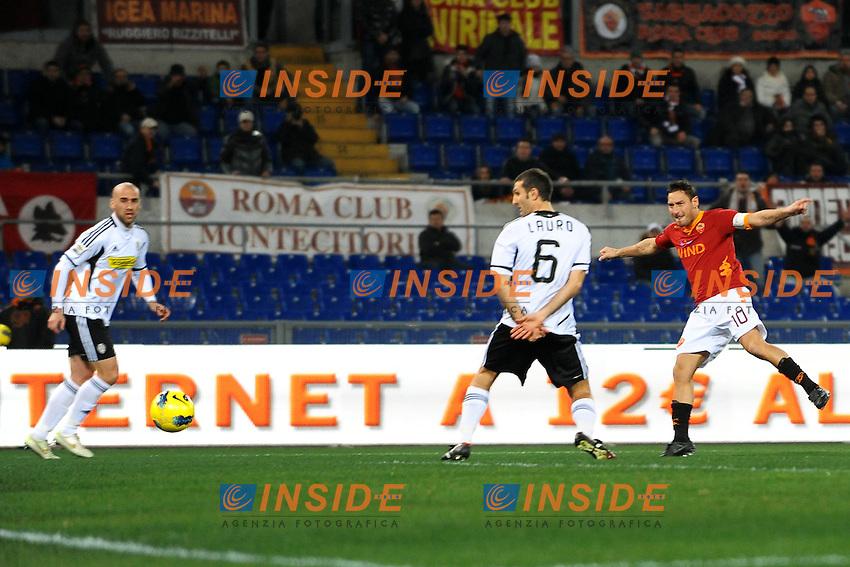 Il gol di Francesco Totti Roma 1-0.Goal celebration.Roma 21/01/2012 Stadio Olimpico.Football Calcio 2011/2012 Serie A.Roma Vs Cesena.Foto Insidefoto Andrea Staccioli