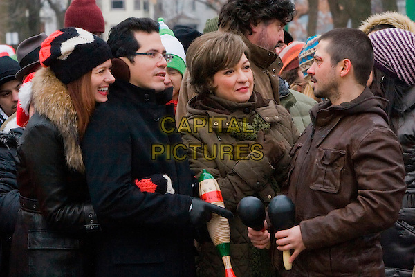 DEBRA MESSING, JOHN LEGUIZAMO, ELIZABETH PENA & FREDDY RODRIGUEZ.in Nothing Like the Holidays .*Filmstill - Editorial Use Only*.CAP/FB.Supplied by Capital Pictures.
