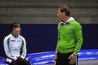 SCHAATSEN: HEERENVEEN: Thialf, 25-06-2012, Zomerijs, TVM schaatsploeg, Linda de Vries, assistent-trainer Rutger Tijssen, ©foto Martin de Jong
