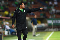 MEDELLÍN - COLOMBIA, 17-03-2018: Jorge Almiron técnico de Atlético Nacional gesticula durante partido con Deportivo Pasto por la fecha 9 de la Liga Águila I 2018 jugado en el estadio Atanasio Girardot de la ciudad de Medellín. / Jorge Almiron coach of Atletico Nacional gestures during match against Deportivo Pasto for the date 9 of the Aguila League I 2018 at Atanasio Girardot stadium in Medellin city. Photo: VizzorImage/León Monsalve/Cont
