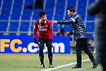 Muangthong Head Coach Sripan Totchtawan (R) talks to Muangthong Midfielder Sanukran Thinjom (L) during the AFC Champions League 2017 Group E match between  Ulsan Hyundai FC (KOR) vs Muangthong United (THA) at the Ulsan Munsu Football Stadium on 14 March 2017 in Ulsan, South Korea. Photo by Chung Yan Man / Power Sport Images