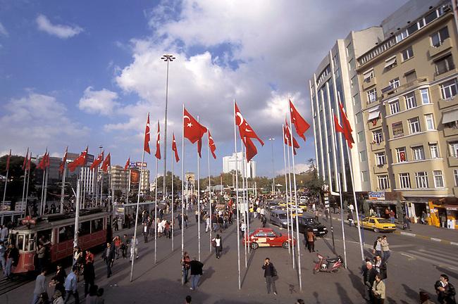 TURQUIE/Istanbul/Place Taksim Meydani..