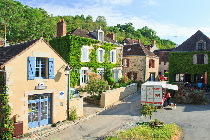 France, Indre(36), le Berry, vallée de la Creuse, Gargilesse-Dampierre, labellisé Les Plus Beaux Villages de France, rue principale du village // France, Indre, Berry region, Creuse Valley, Gargilesse Dampierre, labelled Les Plus Beaux Villages de France (The Most Beautiful Villages of France), main street of the village