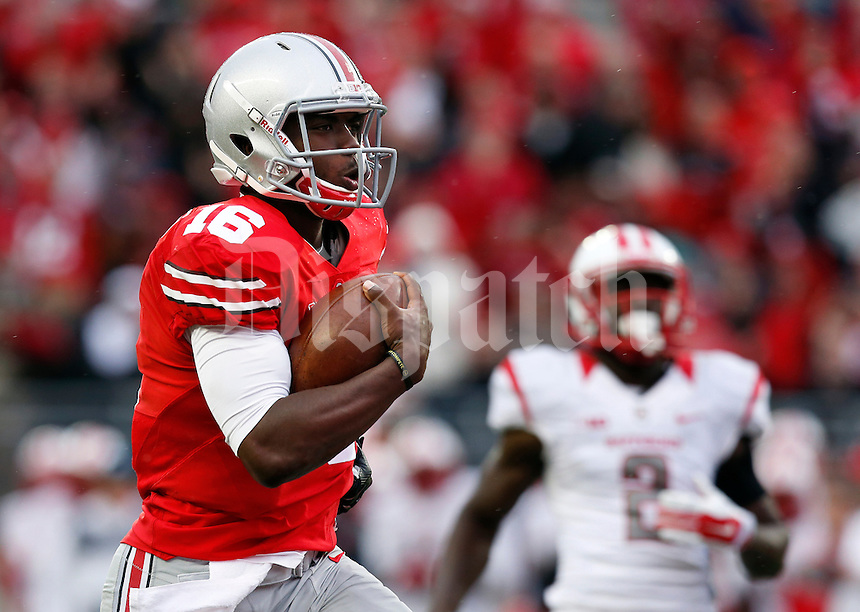 Ohio State Buckeyes running back Jalin Marshall (17) runs into the end zone for a touch down during the third quarter of the NCAA football game against the Rutgers Scarlet Knights at Ohio Stadium in Columbus on Oct. 18, 2014. (Adam Cairns / The Columbus Dispatch)