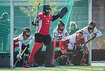 TILBURG  - hockey-  Keeper Anna Gabara (MOP)  met oa Erin McCrudden (MOP)    tijdens de wedstrijd Were Di-MOP (1-1) in de promotieklasse hockey dames. COPYRIGHT KOEN SUYK
