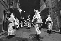 - traditional celebrations of the Easter, procession of Holy Friday in Enna (April 1981)<br /> <br /> - celebrazioni tradizionali della Pasqua, processione del Venerd&igrave; Santo ad Enna (aprile 1981)
