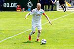 13.07.2019, Parkstadion, Zell am Ziller, AUT, FSP, Werder Bremen vs. Darmstadt 98<br /> <br /> im Bild / picture shows <br /> <br /> Davy Klaassen (Werder Bremen #30)<br /> Kapitaen / Kapitän<br /> Einzelaktion, Ganzkörper / Ganzkoerper<br /> <br /> Foto © nordphoto / Kokenge