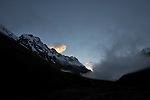 vallée de Huayraccmachay (3850 m, 12600 ft).vue sur le Salkantay a l'aube