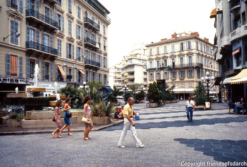 Nice: Street view at one of the intersections. Photo '83.