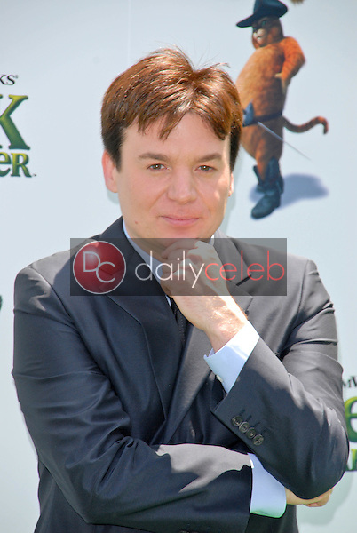 """Mike Myers<br /> at the """"Shrek Forever After"""" Los Angeles Premiere, Gibson Amphitheater, Universal City, CA. 05-16-10<br /> David Edwards/DailyCeleb.com 818-249-4998"""
