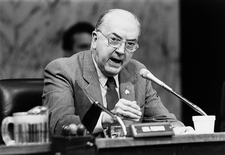 Sen. Jesse Helms, R-N.C. speaks into microphone November 1990. (Photo by Laura Patterson/CQ Roll Call)