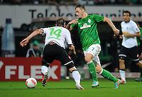 FUSSBALL   1. BUNDESLIGA    SAISON 2012/2013    8. Spieltag   SV Werder Bremen - Borussia Moenchengladbach  20.10.2012 Thorben Marx (li, Borussia Moenchengladbach) gegen Marko Arnautovic (re, SV Werder Bremen)