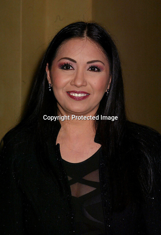 ©2002 AURA BLANDINO / HUTCHINS PHOTO.LATIN GRAMMY PRE PARTY.SEPTEMBER 17, 2002.LOS ANGELES, CA.ANA GABRIEL