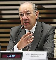 ATENCAO EDITOR: FOTO EMBARGADA PARA VEICULO INTERNACIONAL - SAO PAULO, SP, 10 DEZEMBRO 2012 - A INFLUENCIA DO BRASIL NO SISTEMA INTERNACIONAL SOFT-POWER -  O embaixador Rubens Barbosa participou do debate sobre o soft power. A iniciativa, idealizada em conjunto com a Secretaria de Assuntos Estrategicos (SAE) da Presidencia da Republica, tem como objetivo a atuacao do Brasil no cenario internacional, com vistas a identificar a capacidade de o pais influenciar acoes politicas sem o uso da forca ou outra forma de coercao, porem lançando mao de estrategias de cooperacao - conceito conhecido como soft-power, na FIESP nessa terca, 11. (FOTO: LEVY RIBEIRO / BRAZIL PHOTO PRESS)