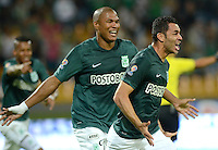 MEDELLÍN -COLOMBIA-18-04-2015. Francisco Najera (Der) jugador de Atlético Nacional celebra un gol anotado a Atlético Junior durante partido por la fecha 16 de la Liga Aguila I 2015 jugado en el estadio Atanasio Girardot de la ciudad de Medellín./ Francisco Najera (R) player of Atletico Nacional  celebrates a goal scored to Atletico Junior during the match for the  16th date of the Aguila League I 2015 at Atanasio Girardot stadium in Medellin city. Photo: VizzorImage/León Monsalve/ Cont