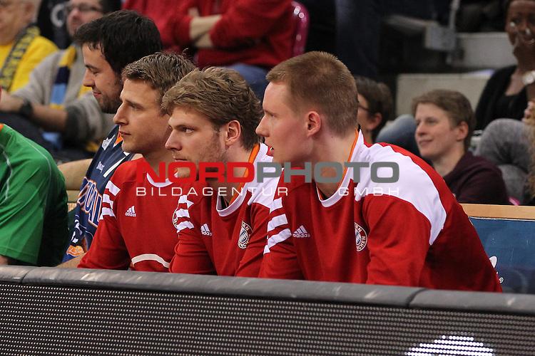 18.01.2014, Telekom Baskets Dome, Bonn, GER, BBL, Allstar Day 2014 Team National vs. Team International, im Bild<br /> von links: Heiko Schaffartzik (Team National, Bayern M&uuml;nchen), Lucca Staiger (Team National, Bayern M&uuml;nchen) Robin Benzig (Team National, Bayern M&uuml;nchen)<br /> <br /> Foto &copy; nordphoto / Mueller