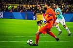 05.11.2019, Signal Iduna Park, Dortmund , GER, Champions League, Gruppenphase, Borussia Dortmund vs Inter Mailand, UEFA REGULATIONS PROHIBIT ANY USE OF PHOTOGRAPHS AS IMAGE SEQUENCES AND/OR QUASI-VIDEO<br /> <br /> im Bild | picture shows:<br /> Mario Goetze (Borussia Dortmund #10) laeuft Samir Handanovic (Inter #1) an, <br /> <br /> Foto © nordphoto / Rauch