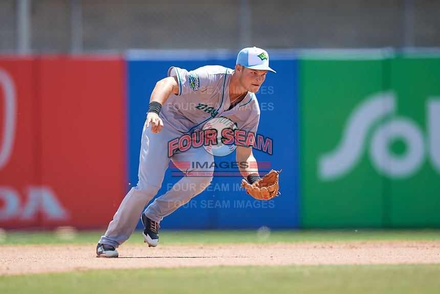 Daytona Tortugas second baseman Brantley Bell (24) fields a ground ball during a game against the Dunedin Blue Jays on April 22, 2018 at Dunedin Stadium in Dunedin, Florida.  Daytona defeated Dunedin 5-1.  (Mike Janes/Four Seam Images)