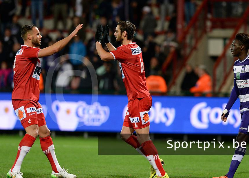 KV Kortrijk - RSC Anderlecht : Benoit Poulain viert zijn doelpunt en de 1-0 voor Kortrijk met Maxime Chanot (links) <br /> Foto VDB / Bart Vandenbroucke