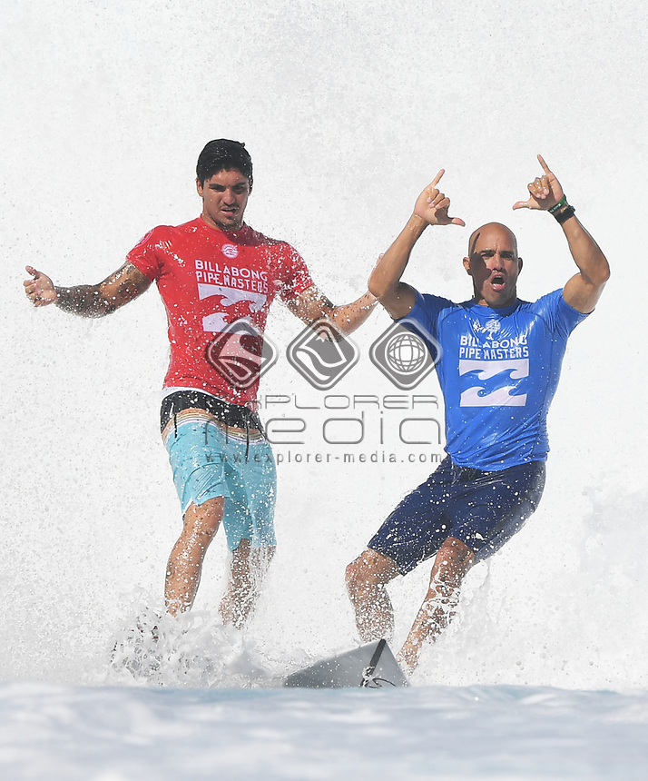 Brazil's Gabriel Medina and USA's Kelly Slater.<br /> 2017 Billabong Pipe Masters, Oahu, Hawaii, USA. World Surf League (WSL). Monday 18 December 2017. &copy; Copyright photo: Andrew Cornaga / www.photosport.nz
