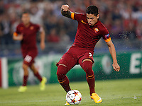 Calcio, Champions League, Gruppo E: Roma vs CSKA Mosca. Roma, stadio Olimpico, 17 settembre 2014.<br /> Roma forward Juan Iturbe, of Argentina, kicks the ball to score during the Group E Champions League football match between AS Roma and CSKA Moskva at Rome's Olympic stadium, 17 September 2014.<br /> UPDATE IMAGES PRESS/Riccardo De Luca