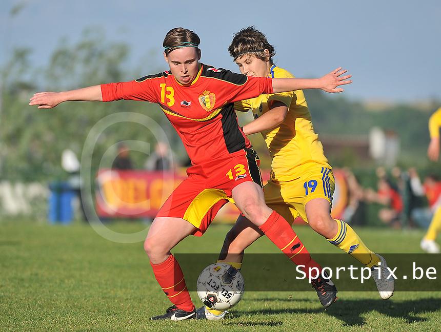 Belgium - Ukraine : Stefanie Van Broeck (13) en Olha Ovdiychuk (19)<br /> foto DAVID CATRY / Nikonpro.be