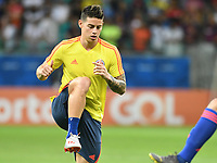 SALVADOR – BRASIL, 15-06-2019: James Rodriguez de Colombia calienta previo al partido de la Copa América Brasil 2019, grupo B, entre Argentina y Colombia jugado en el Itaipava Fonte Nova Arena de la ciudad de Salvador, Brasil. / James Rodriguez of Colombia warms up prior the Copa America Brazil 2019 group B match between Argentina and Colombia played at Itaipava Fonte Nova Arena in Salvador, Brazil. Photos: VizzorImage / Julian Medina / Cont / FCF