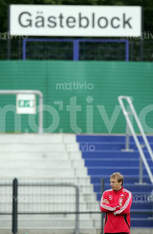 Fussball WM 2006: Training Deutschland Bundestrainer Juergen KLINSMANN (Deutschland)