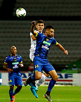 MANIZALES-COLOMBIA, 09-10-2019: Juan David Rodríguez de Once Caldas y Luciano Guaycochea de Alianza Petrolera disputan el balón, durante partido de la fecha 5 entre Once Caldas y Alianza Petrolera, por la Liga de Aguila II 2019 en el estadio Palogrande en la ciudad de Manizales. / Juan David Rodriguez of Once Caldas and Luciano Guaycochea of Alianza Petrolera figth for the ball, during a match of the 5th date between Once Caldas and Alianza Petrolera, for the Aguila Leguaje II 2019 at the Palogrande stadium in Manizales city. Photo: VizzorImage  / Santiago Osorio / Cont.