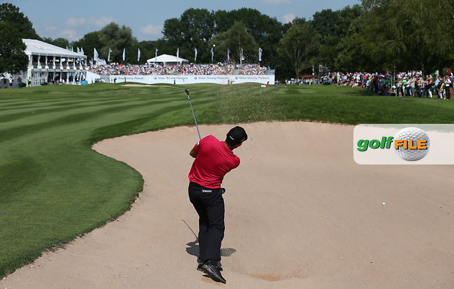 Pablo Larrazabal (ESP) plays second shot from the bunker to the last during the Final Round of the 2015 BMW International Open at Golfclub Munchen Eichenried, Eichenried, Munich, Germany. 28/06/2015. Picture David Lloyd | www.golffile.ie