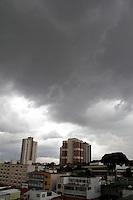 SÃO PAULO,SP,18 JANEIRO 2012 - CLIMA TEMPO ZONA LESTE<br /> Nuvens carregadas na tarde de hoje na região da Vila Prudente na zona leste. FOTO ALE VIANNA - NEWS FREE.