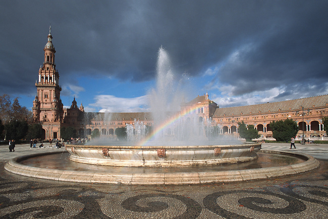 FOUNTAIN in the center of the PLAZA DE ESPANA which was built for the 1929 WORLD FAIR - SEVILLA, SPAIN