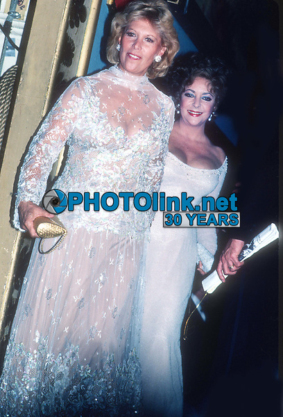 Dinah Shore Elizabeth Taylor 1980's<br /> Photo By John Barrett/PHOTOlink.net
