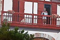 Europe/France/Aquitaine/64/Pyrénées-Atlantiques/Pays-Basque/Biarritz:  L'ex-international de rugby Serge Blanco - Fresque en trompe l'oeil , Avenue Beaurivage - Quartier Bibi Beaurivage - Conception et Réalisation : Cité de la Création  1992 [Non destiné à un usage publicitaire - Not intended for an advertising use]