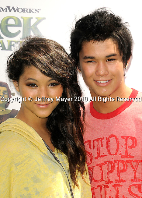 """UNIVERSAL CITY, CA. - May 16: Fivel Stewart and BooBoo Stewart arrive at the """"Shrek Forever After"""" Los Angeles Premiere at Gibson Amphitheatre on May 16, 2010 in Universal City, California."""
