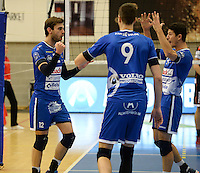 20161228 - ROESELARE ,  BELGIUM : Roeselare's Ruben Van Hirtum (left) pictured celebrating with Gertjan Claes (right) during the second semi final in the Belgian Volley Cup between Knack Volley Roeselare and Lindemans Aalst in Roeselare , Belgium , Wednesday 28 th December 2016 . PHOTO SPORTPIX.BE | DAVID CATRY