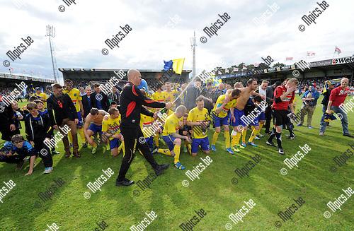 2014-04-27 / Voetbal / seizoen 2013-2014 / KVC Westerlo kampioen in tweede klasse /  De spelers vieren<br /><br />Foto: mpics.be