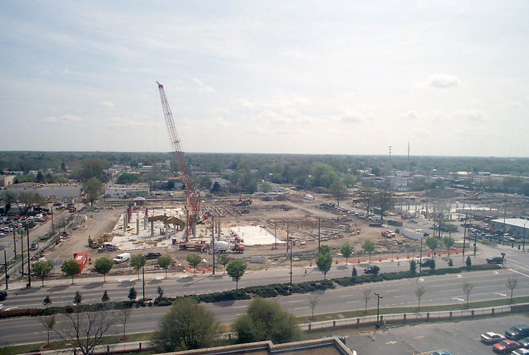 2001 April 13..Redevelopment.Old Dominion (R-28)..Convocation Center Construction...NEG#.NRHA#..