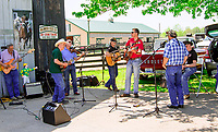 GEORGETOWN, KENTUCKY, MAY 06: Music at the 14th Annual Fundraiser at Old Friends Farm on May 6, 2018 in Georetown, Kentucky. ( Photo by Sue Kawczynski/Eclipse Sportswire/Getty Images)
