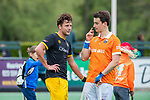 BLOEMENDAAL -  Tim Swaen (Bldaal) en Gijs Campbell (Den Bosch)  na de   hoofdklasse competitiewedstrijd hockey heren,  Bloemendaal-Den Bosch (2-1)   COPYRIGHT KOEN SUYK