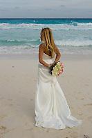 02.2012 Cancun (Mexico)<br /> <br /> Mari&eacute;e sur la plage.<br /> <br /> Bride on the beach.
