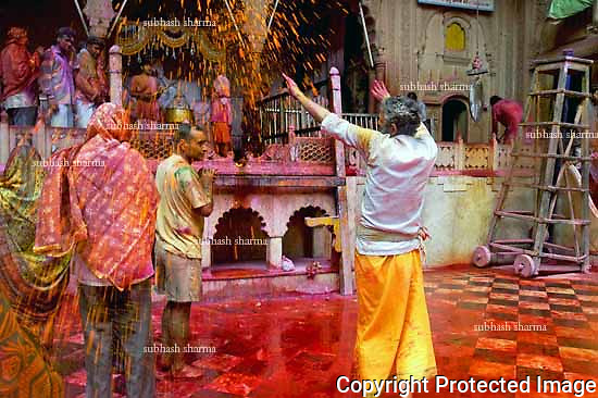 Holi : The festival of Color of India
