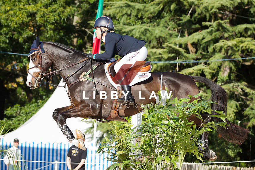 USA-Sharon White (WUNDERMASKE) FINAL-19TH: CCI4* SHOWJUMPING: 2014 FRA-Les Etoiles de Pau (Sunday 26 October) CREDIT: Libby Law COPYRIGHT: LIBBY LAW PHOTOGRAPHY - NZL