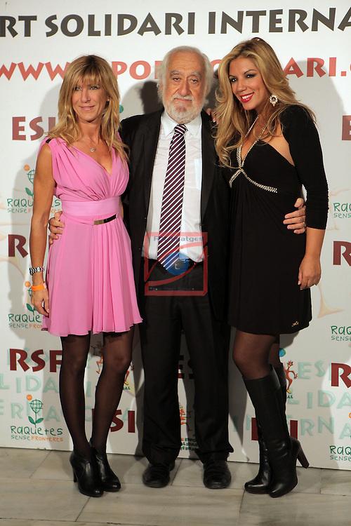 XIe Sopar Solidari d'ESI (Esport Solidari Internacional).<br /> Josep Maldonado con Rebeca y una amiga.
