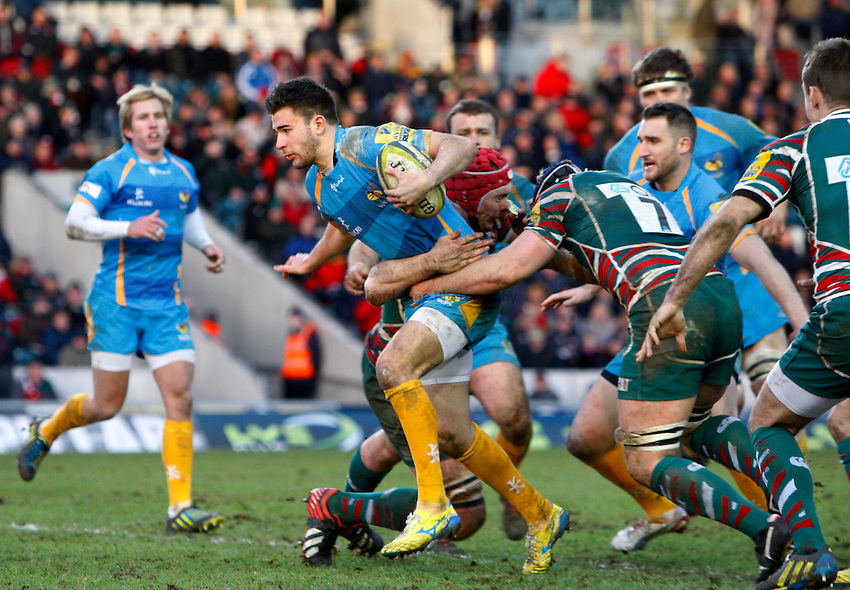 Photo: Richard Lane/Richard Lane Photography. Leicester Tigers v London Wasps. LV= Cup. 26/01/2013. Wasps' Tommy Bell attacks.