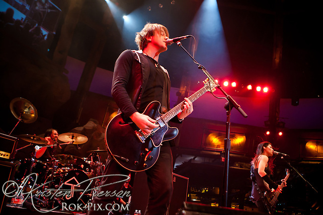 Sick Puppies perform at Mohegan Sun Wolf Den November 9, 2013.