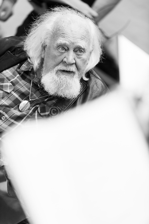 """""""King Lear"""" rehearsed reading rehearsals. Old Vic Theatre. Director: Jonathan Miller. Joss Ackland."""